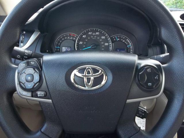 2014 Toyota Camry LE in Alpharetta, GA 30004