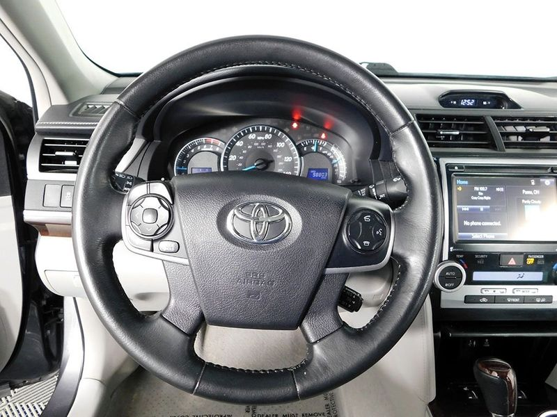 2014 Toyota Camry SE  city Ohio  North Coast Auto Mall of Cleveland  in Cleveland, Ohio