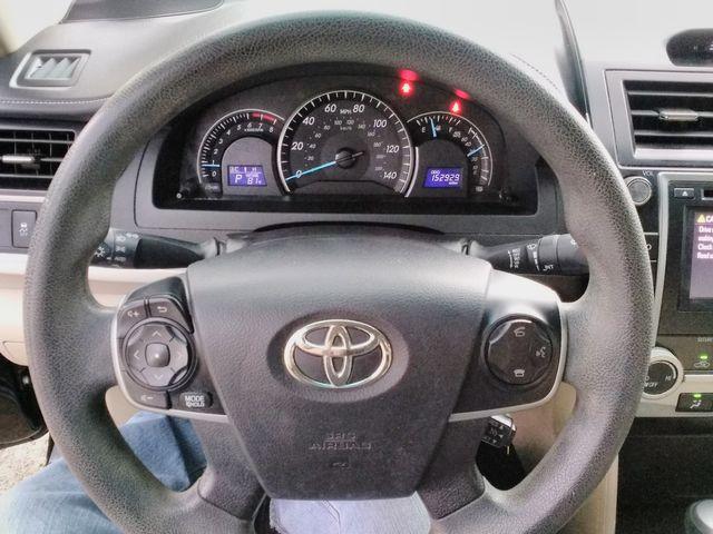 2014 Toyota Camry LE Houston, Mississippi 10