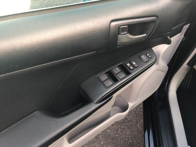 2014 Toyota Camry L Houston, Texas 4