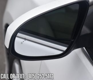 2014 Toyota Camry Hybrid 4dr Sdn XLE *Ltd Avail* Waterbury, Connecticut 10