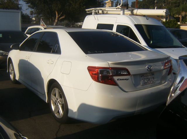 2014 Toyota Camry SE Los Angeles, CA 3