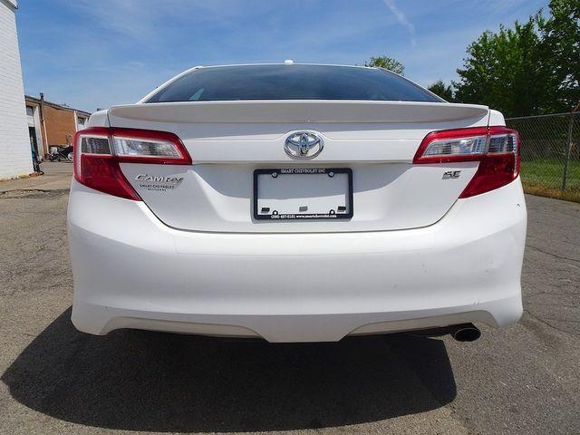 2014 Toyota Camry SE Madison, NC 3