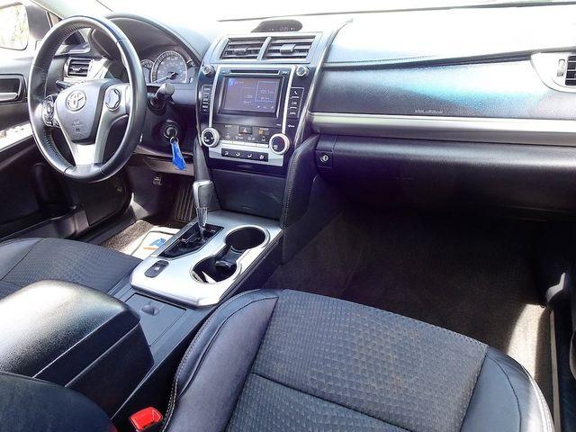2014 Toyota Camry SE Madison, NC 34