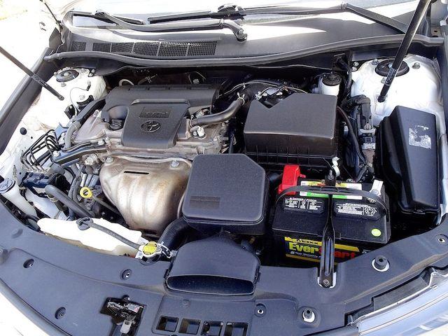 2014 Toyota Camry SE Madison, NC 41