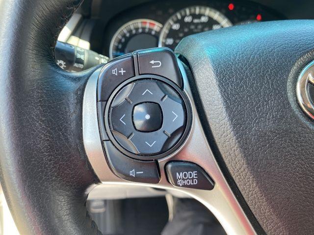 2014 Toyota Camry SE Madison, NC 25
