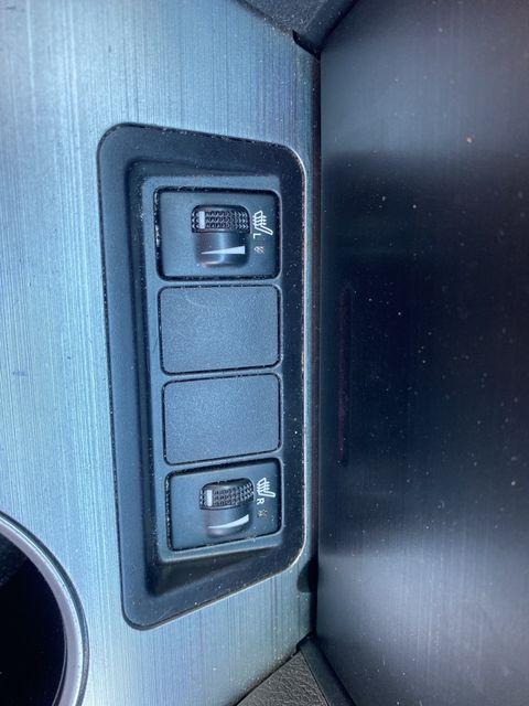 2014 Toyota Camry SE Madison, NC 33