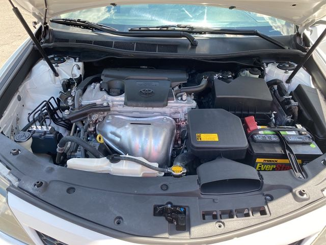 2014 Toyota Camry SE Madison, NC 37