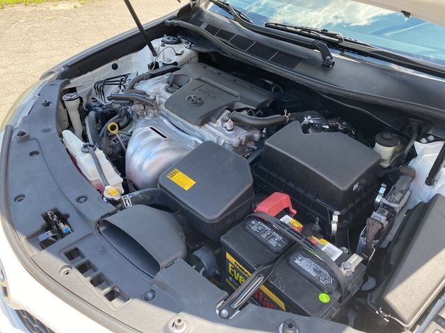 2014 Toyota Camry SE Madison, NC 38