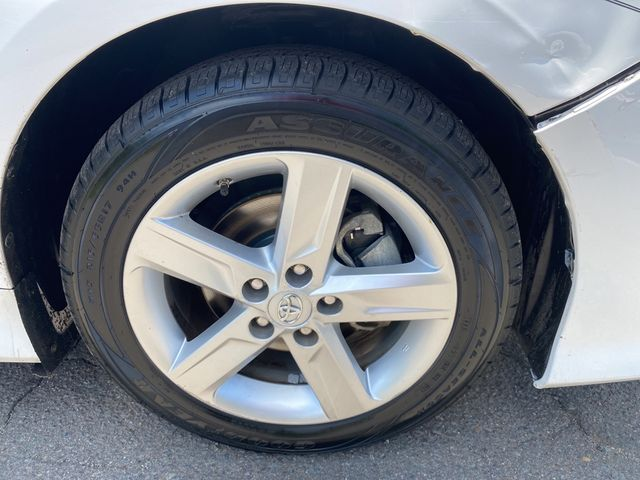 2014 Toyota Camry SE Madison, NC 8