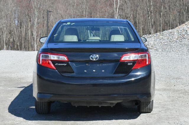 2014 Toyota Camry SE Naugatuck, Connecticut 5
