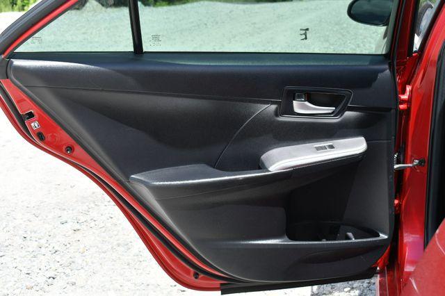 2014 Toyota Camry SE Naugatuck, Connecticut 14