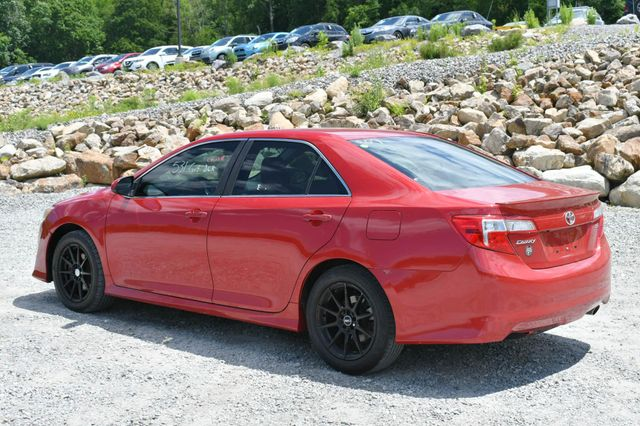 2014 Toyota Camry SE Naugatuck, Connecticut 4