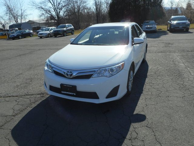 2014 Toyota Camry LE New Windsor, New York 11