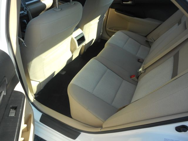 2014 Toyota Camry LE New Windsor, New York 17