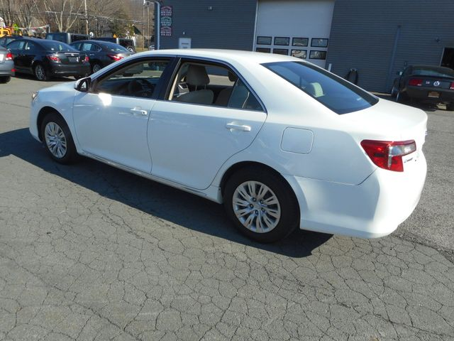 2014 Toyota Camry LE New Windsor, New York 2