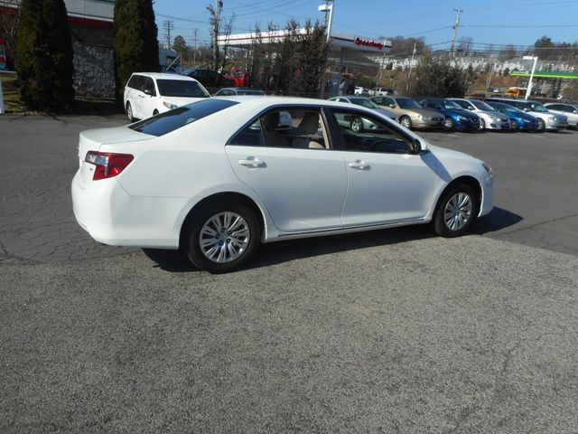 2014 Toyota Camry LE New Windsor, New York 6