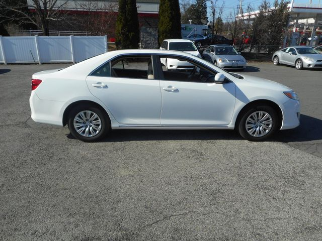 2014 Toyota Camry LE New Windsor, New York 7