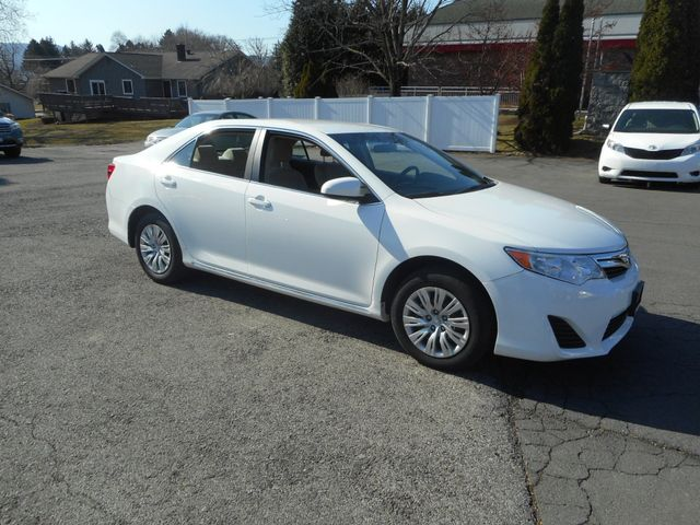 2014 Toyota Camry LE New Windsor, New York 8