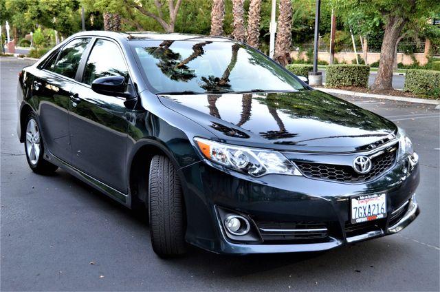 2014 Toyota Camry SE Reseda, CA 14