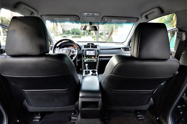 2014 Toyota Camry SE Reseda, CA 20