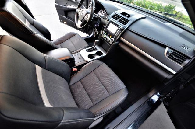 2014 Toyota Camry SE Reseda, CA 22