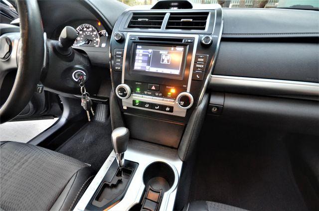 2014 Toyota Camry SE Reseda, CA 23