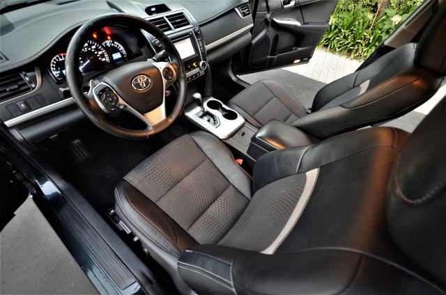 2014 Toyota Camry SE Reseda, CA 4
