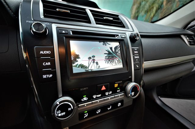 2014 Toyota Camry SE Reseda, CA 3