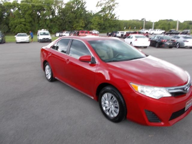 2014 Toyota Camry LE Shelbyville, TN 9