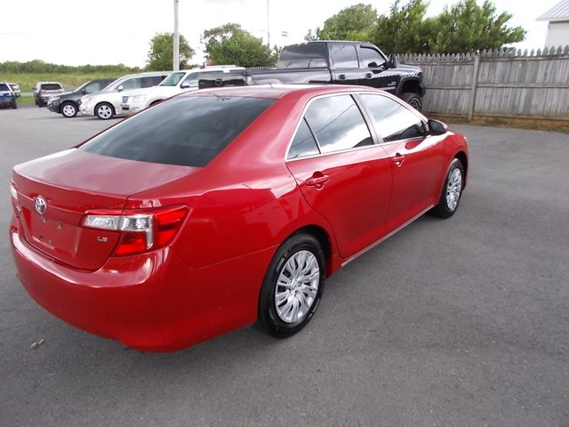 2014 Toyota Camry LE Shelbyville, TN 12