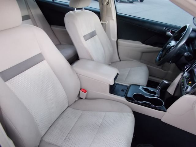 2014 Toyota Camry LE Shelbyville, TN 18