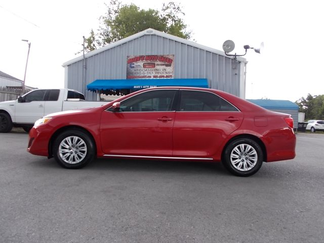 2014 Toyota Camry LE Shelbyville, TN 1