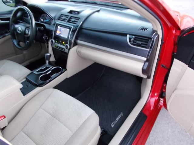 2014 Toyota Camry LE Shelbyville, TN 19