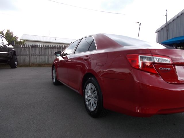 2014 Toyota Camry LE Shelbyville, TN 3