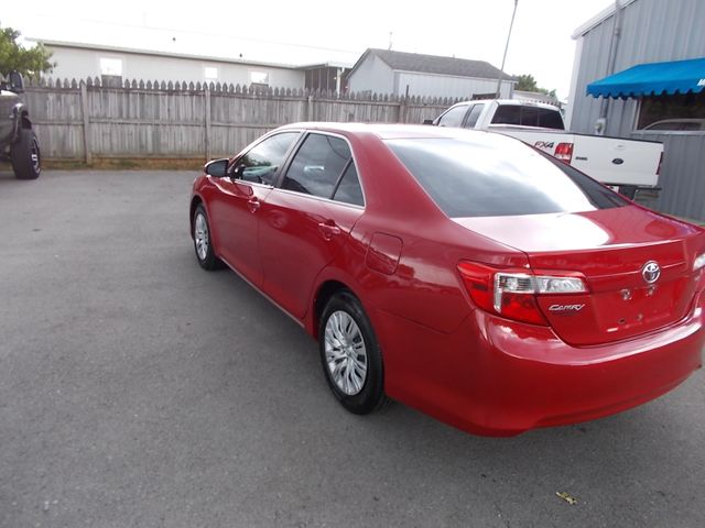 2014 Toyota Camry LE Shelbyville, TN 4