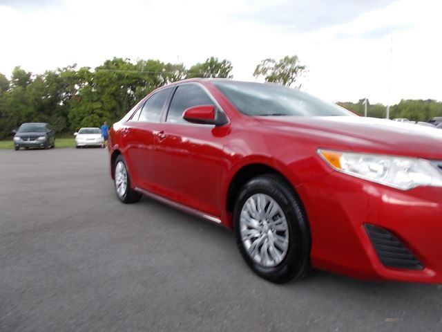 2014 Toyota Camry LE Shelbyville, TN 8