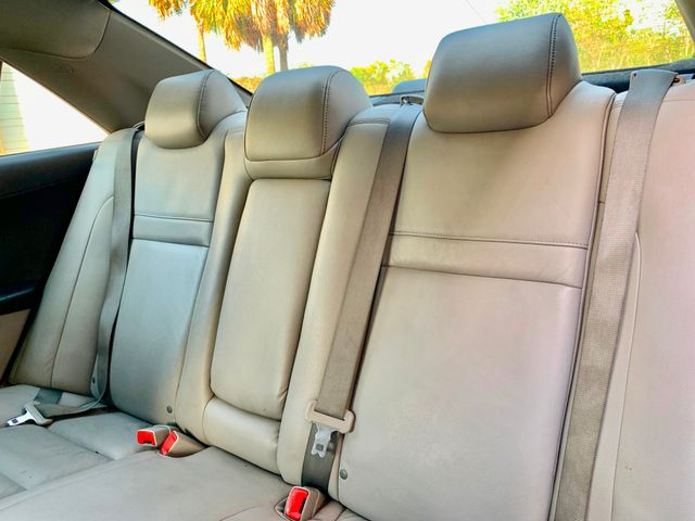 2014 Toyota Camry LE Tampa, Florida 13