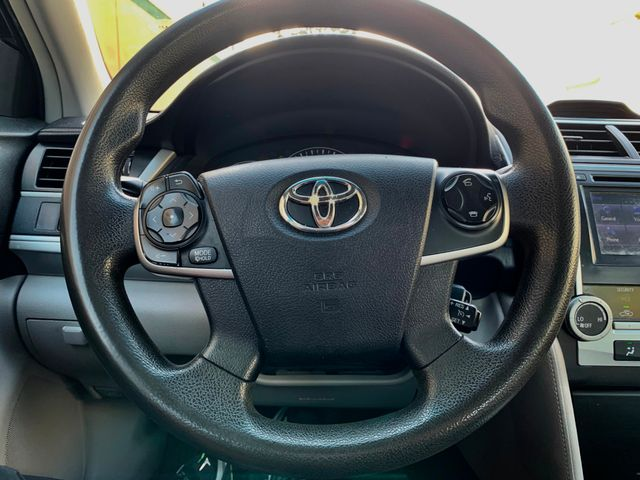 2014 Toyota Camry LE Tampa, Florida 9