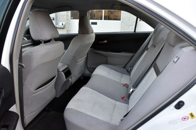 2014 Toyota Camry LE Waterbury, Connecticut 12