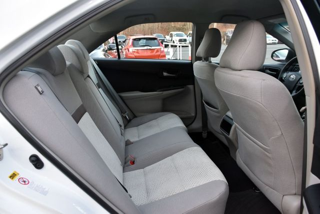 2014 Toyota Camry LE Waterbury, Connecticut 13