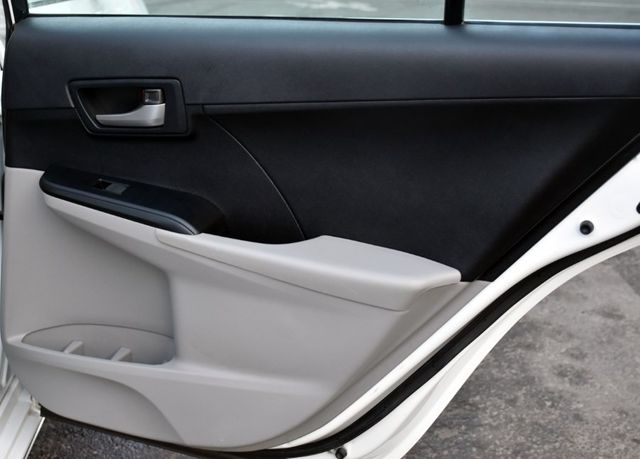 2014 Toyota Camry LE Waterbury, Connecticut 17