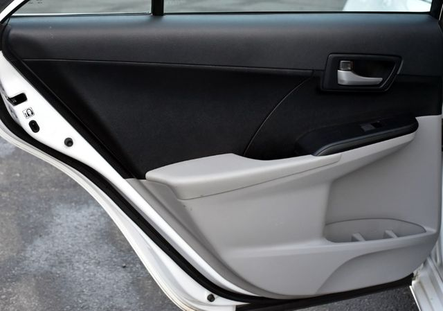 2014 Toyota Camry LE Waterbury, Connecticut 18
