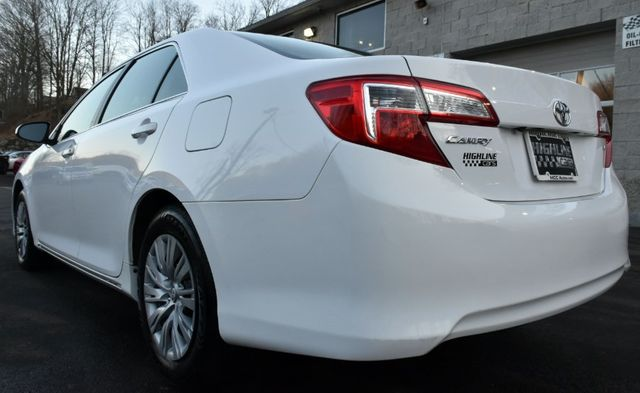 2014 Toyota Camry LE Waterbury, Connecticut 3
