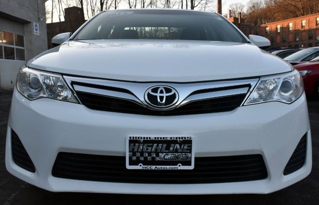 2014 Toyota Camry LE Waterbury, Connecticut 5