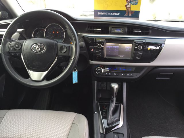 2014 Toyota Corolla LE One Owner Clean Carfax New Brunswick, New Jersey 14