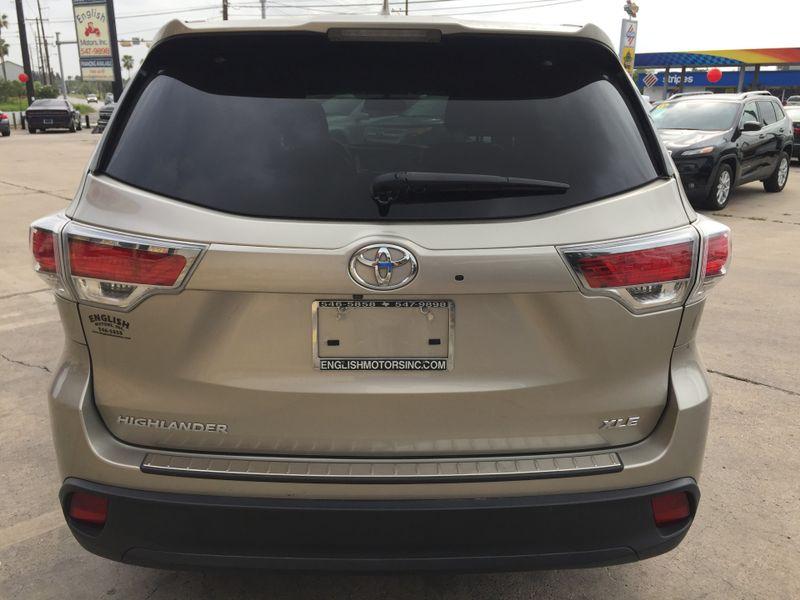 2014 Toyota Highlander XLE  Brownsville TX  English Motors  in Brownsville, TX