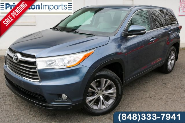 2014 Toyota Highlander LE in Ewing, NJ 08638