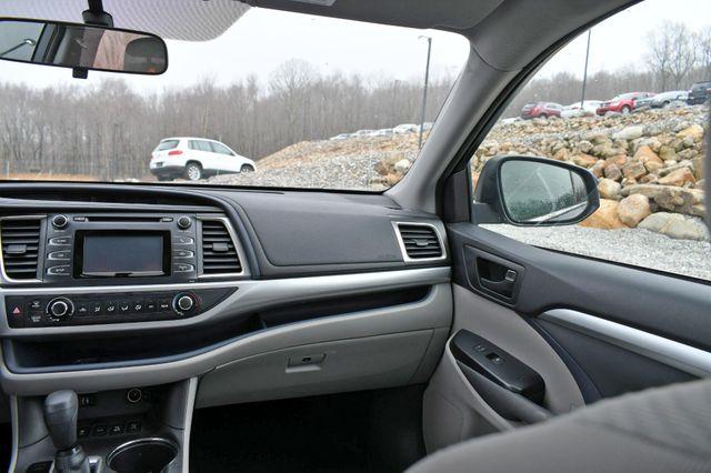 2014 Toyota Highlander LE Naugatuck, Connecticut 17