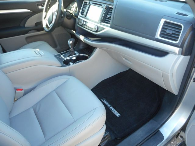 2014 Toyota Highlander XLE New Windsor, New York 24
